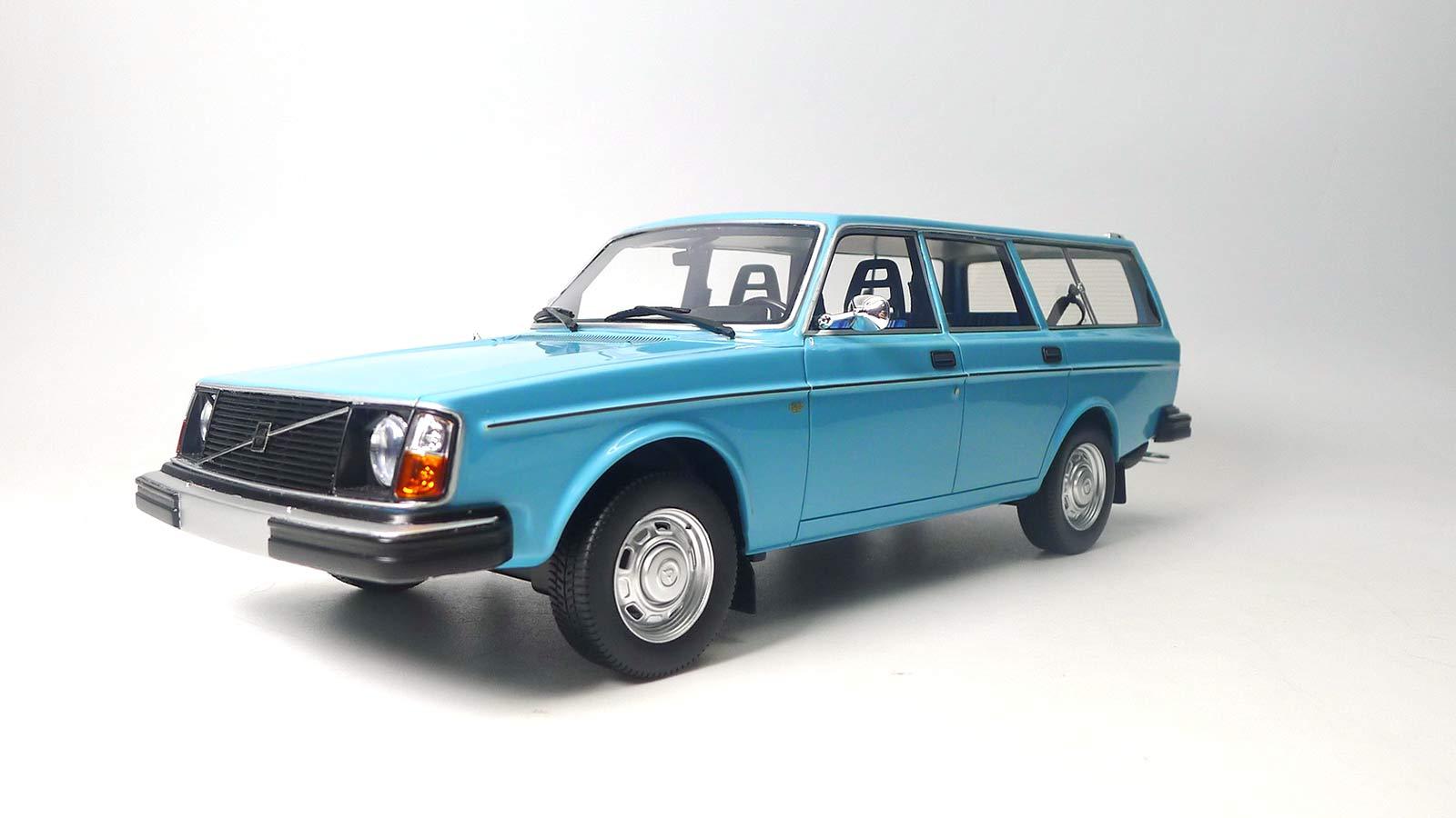 DNA000072 Volvo 245 DL Blue