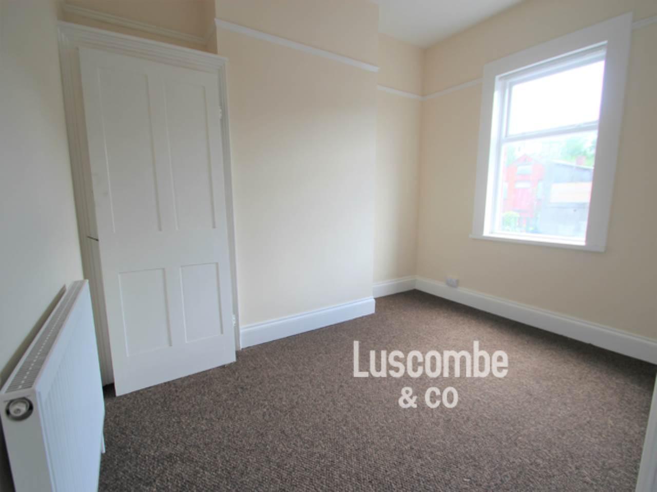 sofa malpas road newport set fabric color 1 bedroom flat to rent crindau