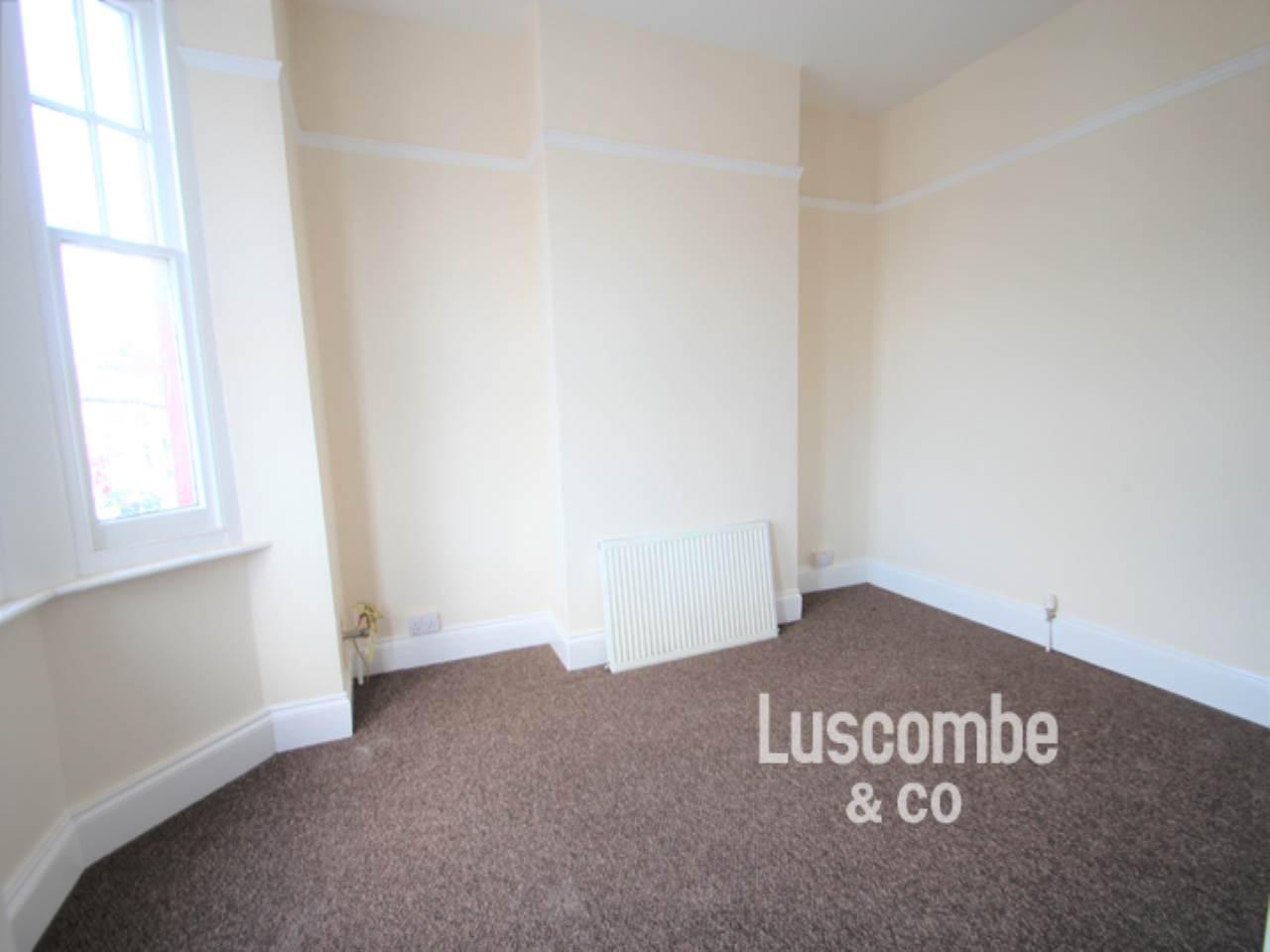 sofa malpas road newport slipcover uk 1 bedroom flat to rent crindau