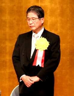 の藤嶋 昭氏が受賞された。 平成22年度 川崎市文化賞を藤嶋 昭理事長が