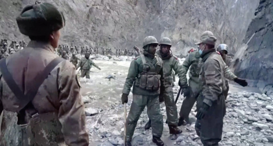The scene of the conflict between Chinese and Indian forces in Galwan Valley in June last year, unveiled by Chinese CCTV on the 19th. [CCTV 캡처]