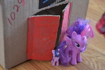 Make this Easy Cardboard Dollhouse