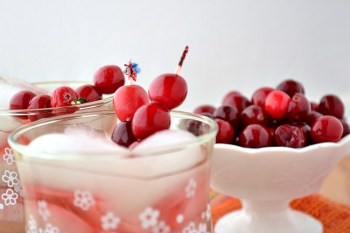 How to Make Sweetened Cranberries