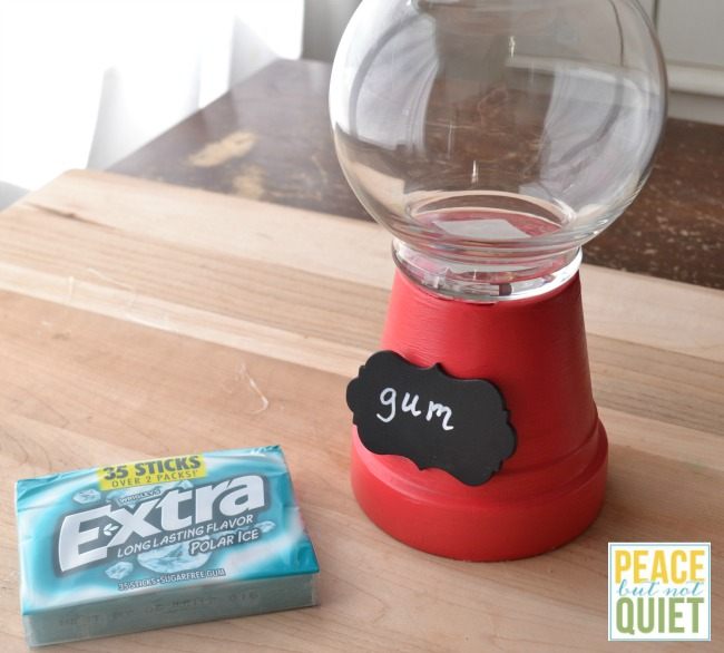 These adorable gum containers are simple and a lot of fun to make (and can be used as candy containers as well!)
