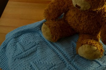Easy Knitting Pattern: Knit The Simple Sailboat Blanket