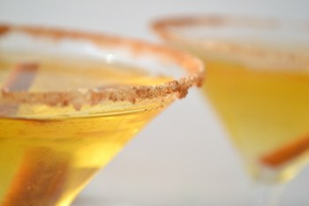 Make Apple Cider Martinis For a Delicious Fall Cocktail