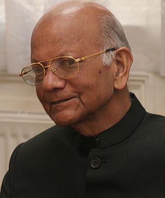 Dr Natubhai Shah