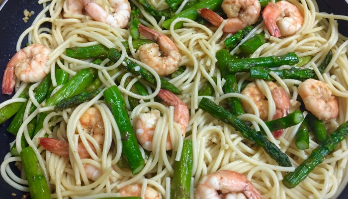 Easy Shrimp Pasta with Asparagus
