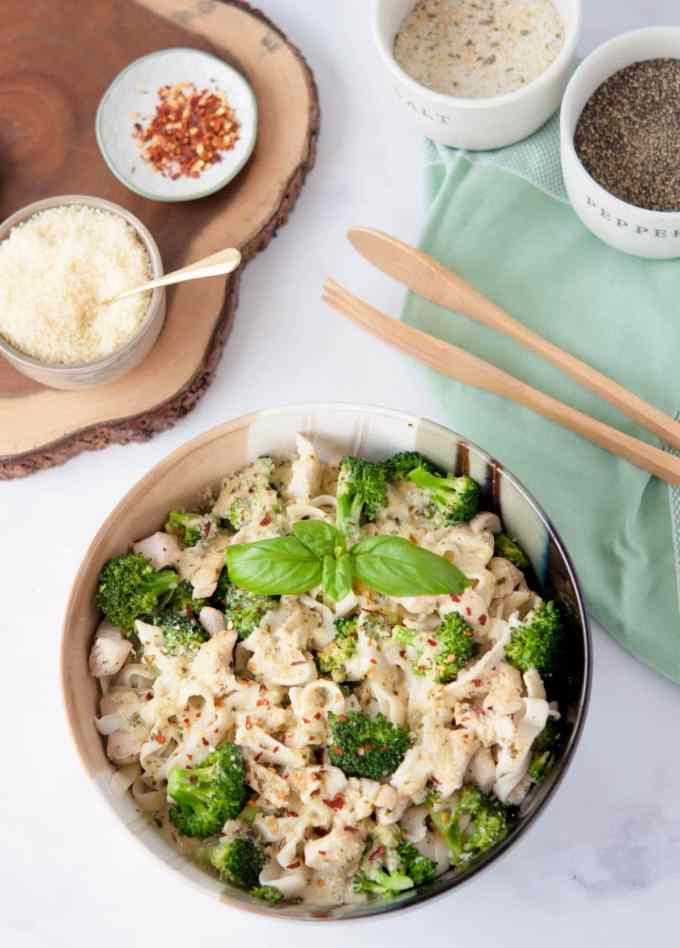 Chicken and Broccoli Keto Fettuccine Alfredo with Pesto is comfort food at its finest. If you've been missing pasta on your low carb diet, look no further.