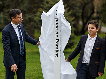 Peace Pals Winner & Mayor of Iasi, Romania hold Peace Pole Dedication Ceremony
