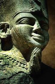 african sculpture of king