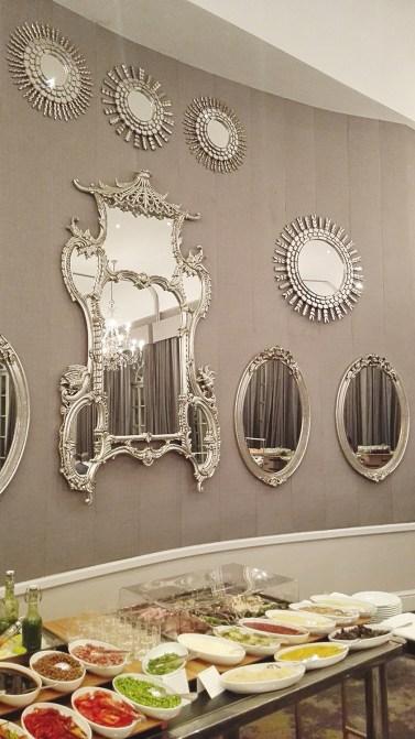 Peaches-in-the-Wild-Four-Seasons-ballroom-mirrors_1