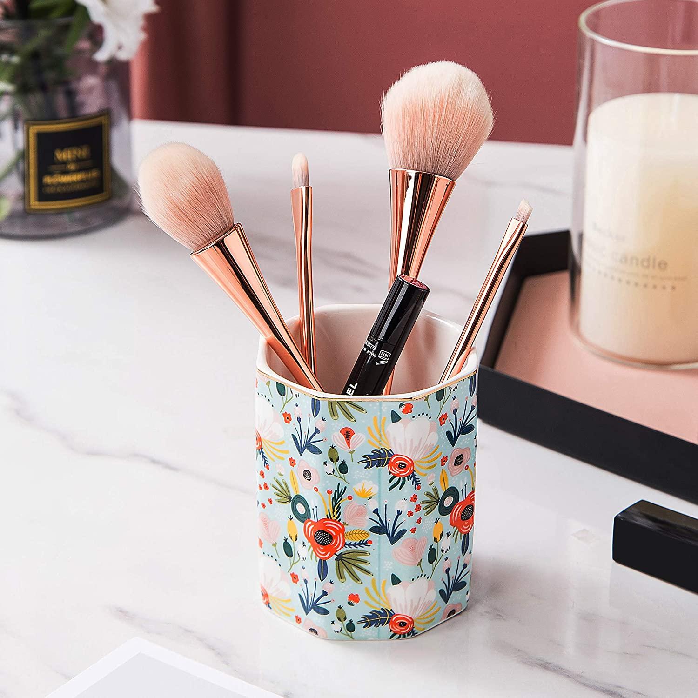 Makeup Brush Holder | Peachy Interiors
