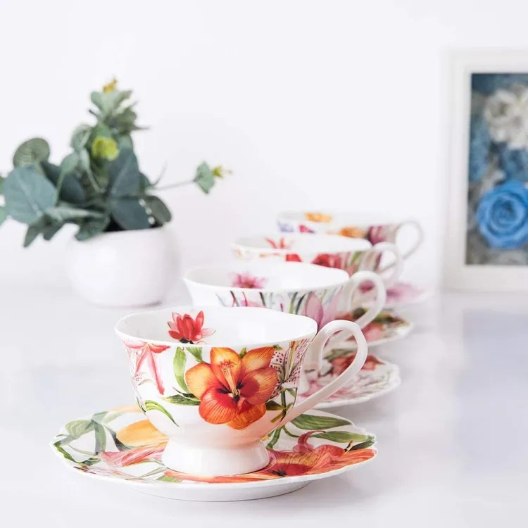 Tea Cups with Saucers, Set of 4 | Peachy Shop