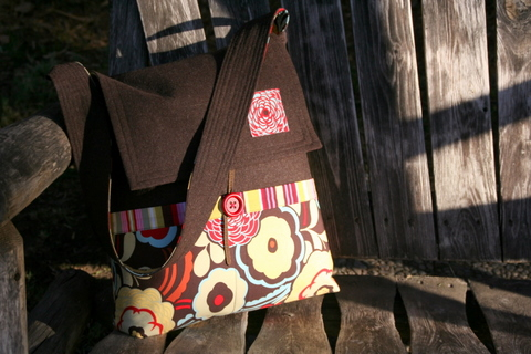 Finished Object - Mischievous Gnome Messenger Bag (1/5)