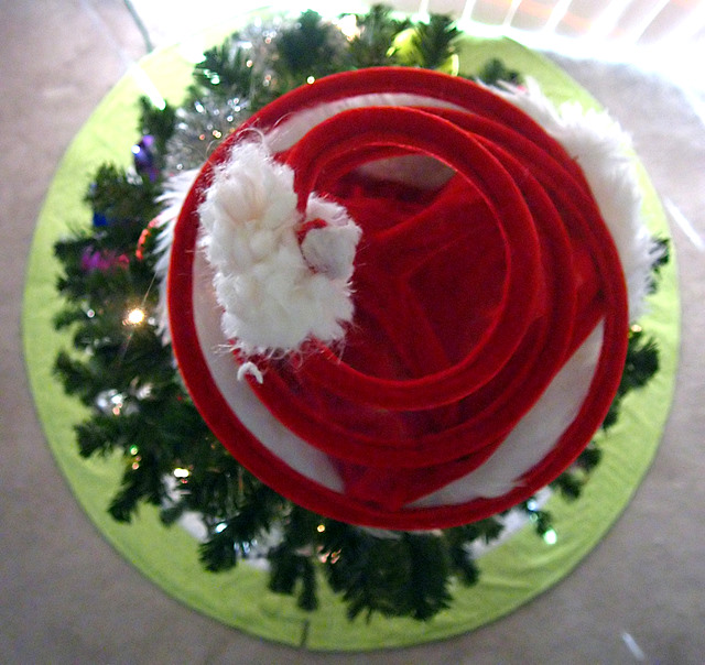 Finished Object: Amy Butler Tree Skirt (2/6)