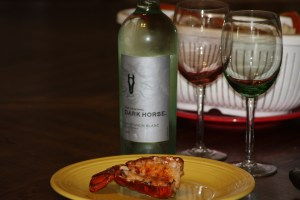Review: Dark Horse Sauvignon Blanc 2014 and Lobster