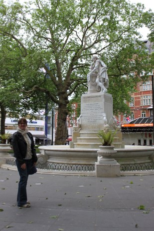Leicester Square, statue of Shakespeare