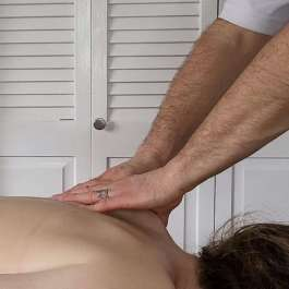 """Looking for """"chiropractor near me"""" or """"massage therapy near me""""? Look no more. We come to you!"""