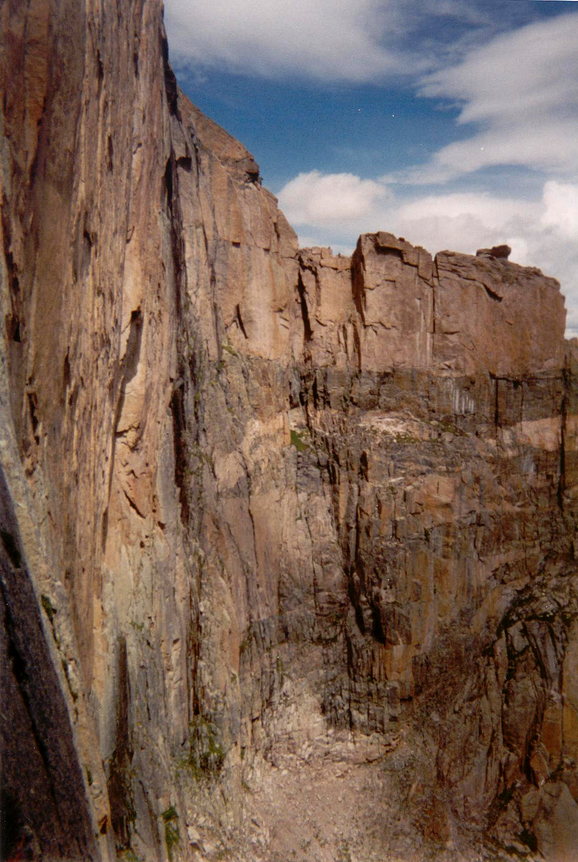 A view of the Chasm View rappel area from the start of the Casual Route; 3 150 foot rappels to descend to Broadway Ledge.