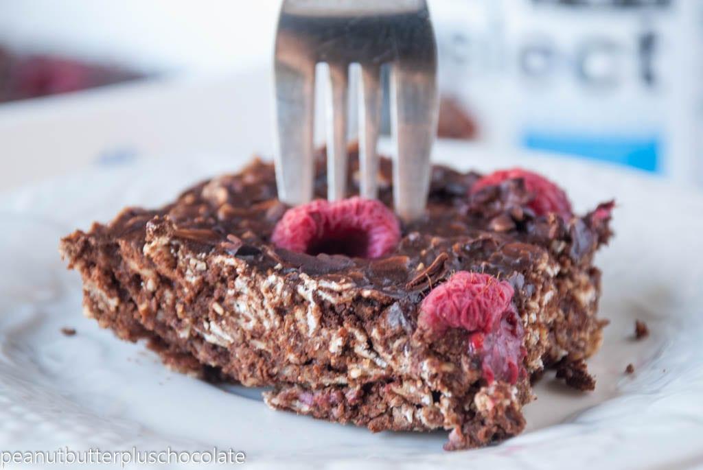 Chocolate Raspberry Oatmeal Bake