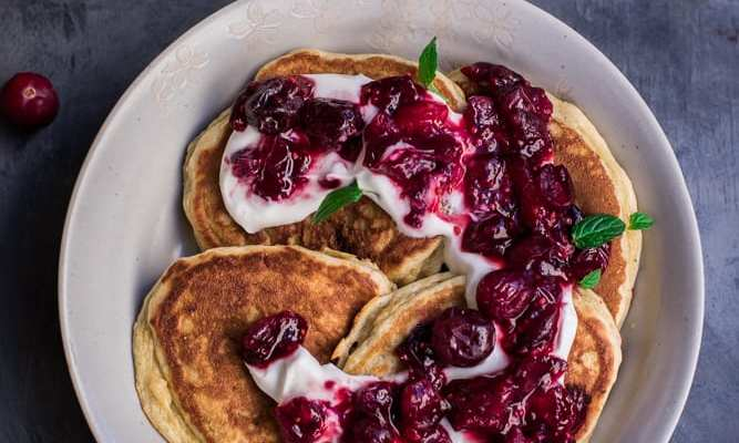 Healthy Cranberry Sauce Pancakes