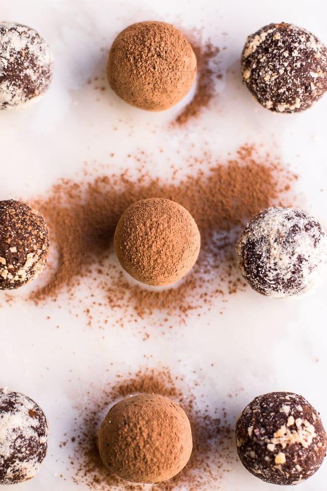 Healthy 5 Ingredient Chocolate Brownie No Bake Energy Bites