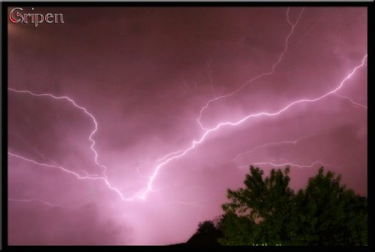 Lightening Storm - PeanutGallery247