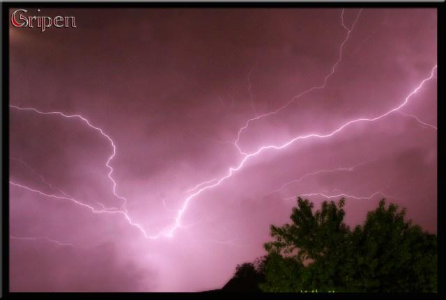Lightening Storm - PeanutGallery247