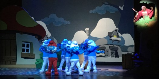 The Smurfs Live on Stage - PeanutGallery247