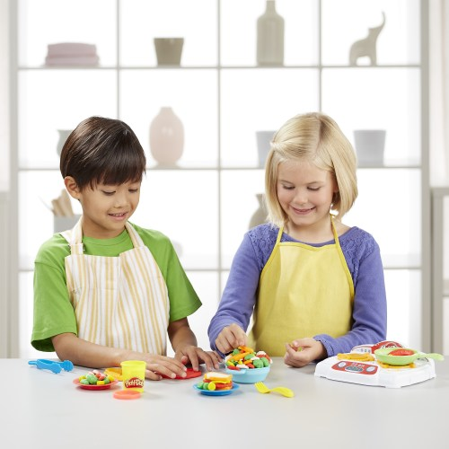 Play-Doh Kitchen Creations__SizzlinStoveTop_life - PeanutGallery247