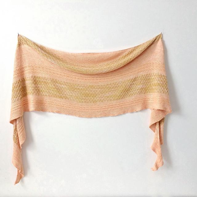 pearadiseisland-testknitting-bumblebeeshawl-3