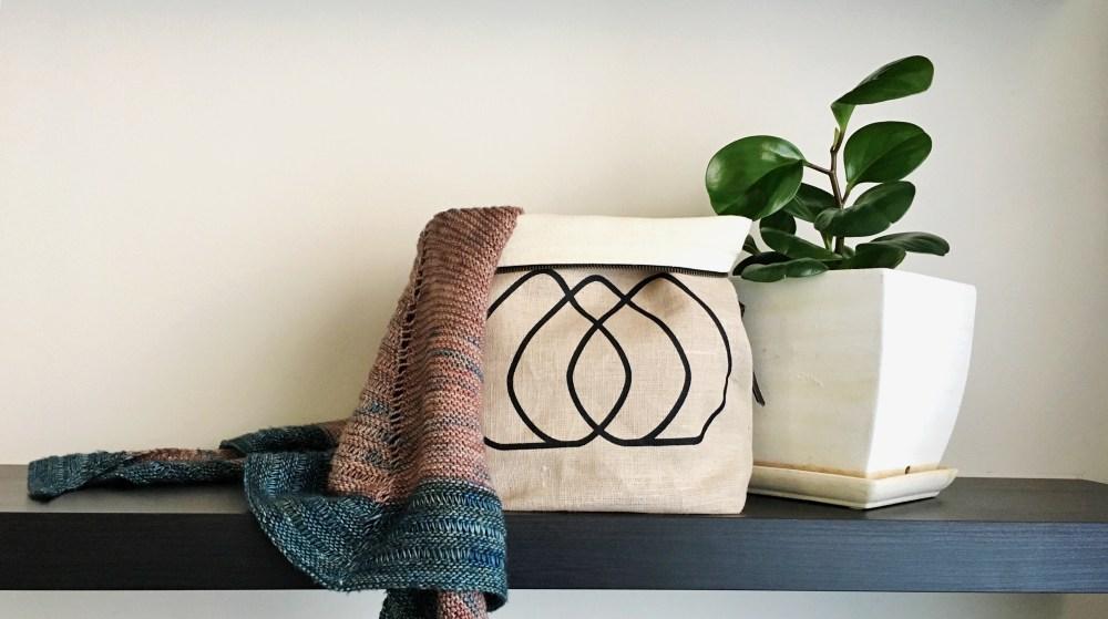 PearadiseIsland_logo_zippered_project_bag_yarn_bowl