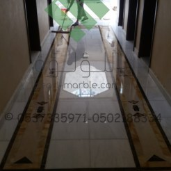 Clear-marble-and-tiles030