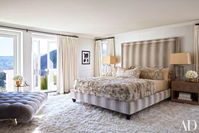 khloe-kardashian-home-house-inside-decpratio-architectural-digest-13-640x427