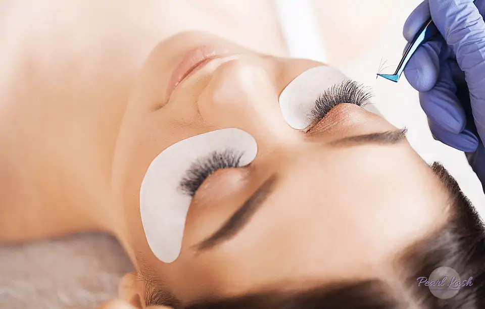 Volume Eyelash Extension Training by Pearl Lash