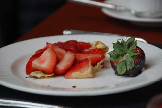 There is plenty of fruit at the crêpe station and chocolate fountain to help you balance out the sweetness of the pastries.