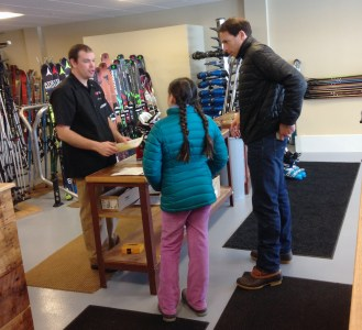 After you get fitted for your gear, you can check it in with the Ski Valet and they'll always be waiting for you at the base of the ski lifts just outside the clubhouse.