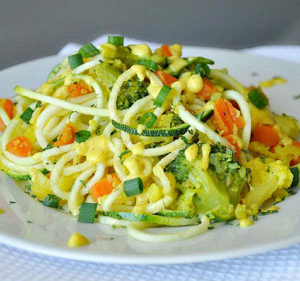 Creamy Curry Spiralized Zucchini Pasta :: Perfect as a meal or a stellar side, you've got to try this easy yet impressive dish!