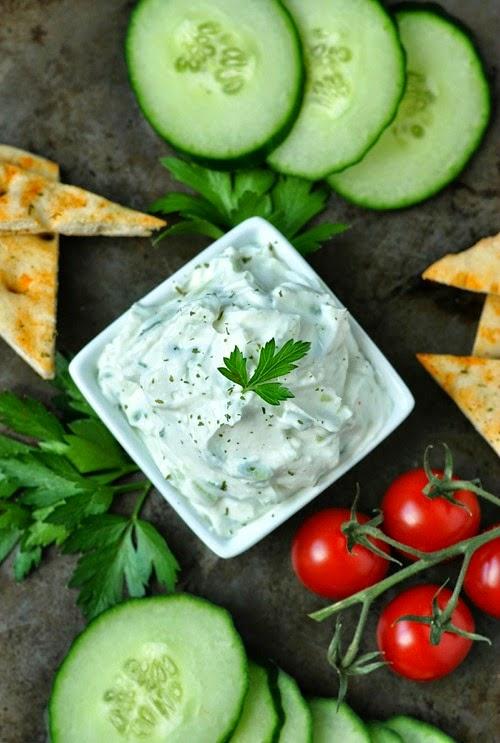 Thick and Creamy Restaurant-Style Tzatziki Dip