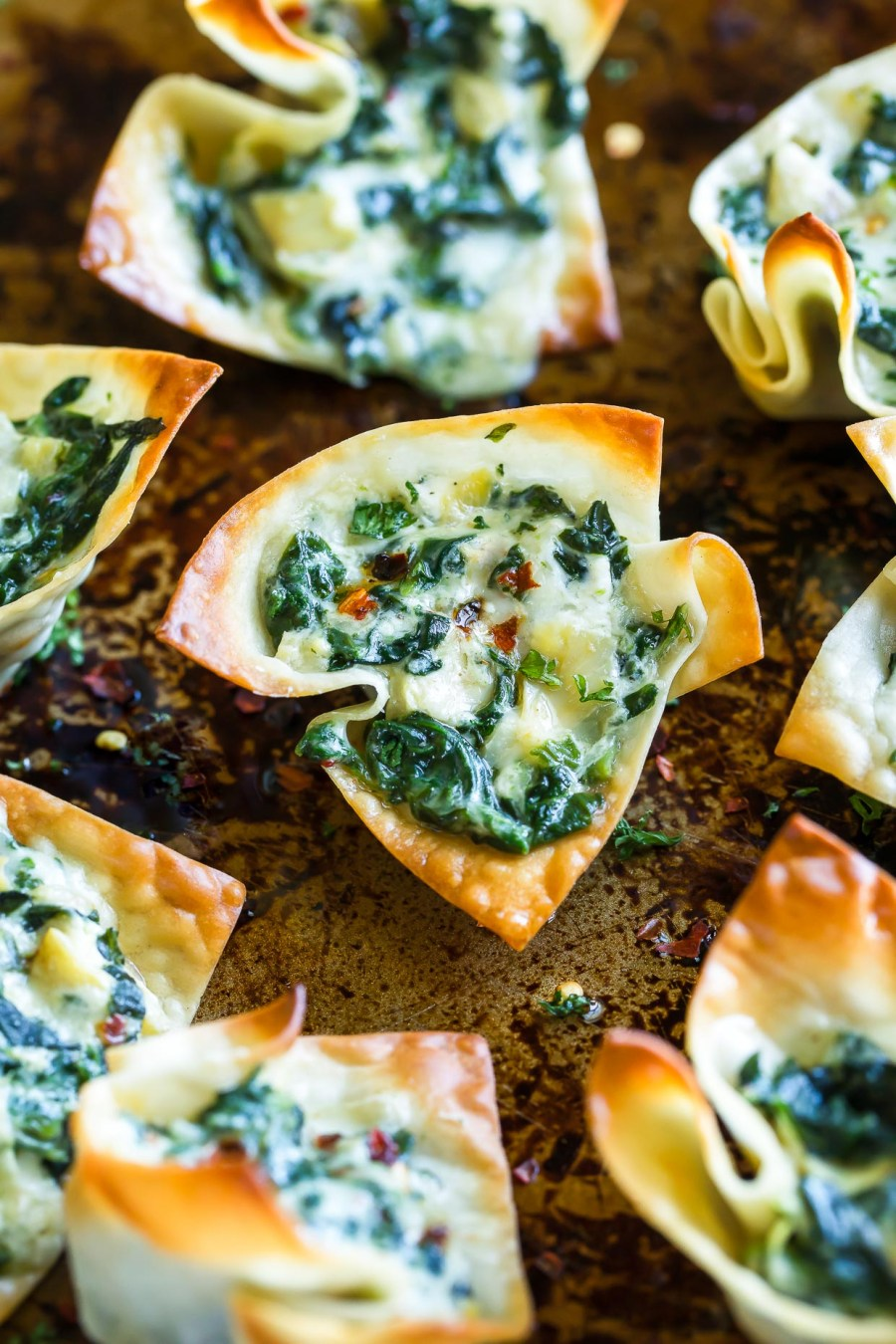 Baked Spinach Artichoke Wonton Cups