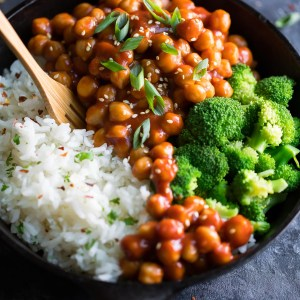 Vegan Sweet and Sour Chickpeas