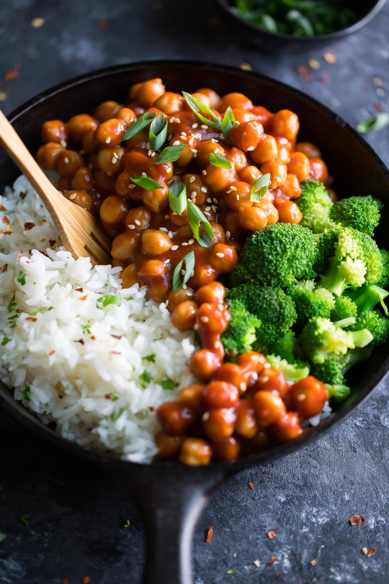 Sweet and Sour Chickpeas with Broccoli and Rice