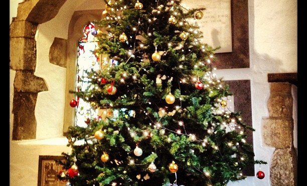 Christmas Tree up in St James' #stjames #finchampstead