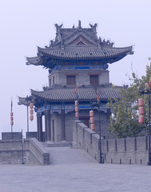 8 Things to Do and See in Xi'an China Biking on the Old City Wall