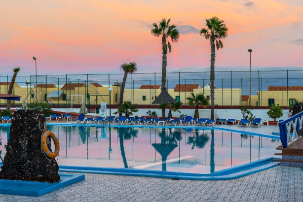 Sonnenuntergang am Pool