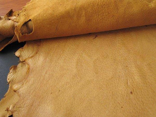 light-cork-peccary-leather