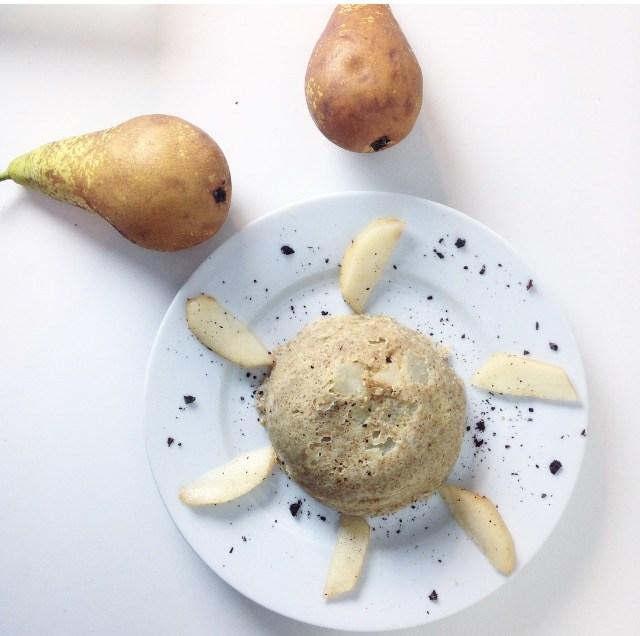 Idées de petits déjeuners sains, rapides et gourmands - Recettes de petits déjeuners équilibrés - Bowlcake poire et chocolat