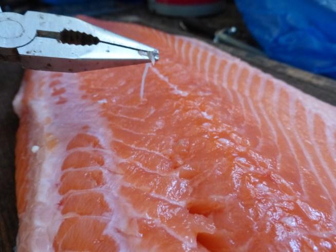 preparation du saumon avant de fumer
