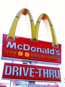 McDonald's sign with drive thru 360px-Harlem_Micky_Dz